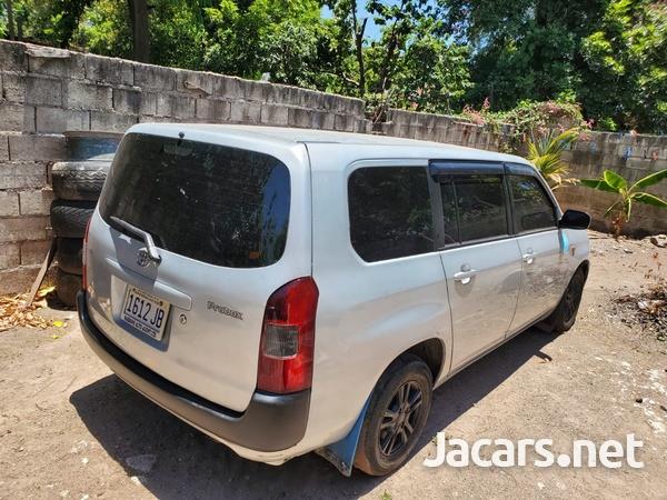 Toyota Probox 1,0L 2013-1
