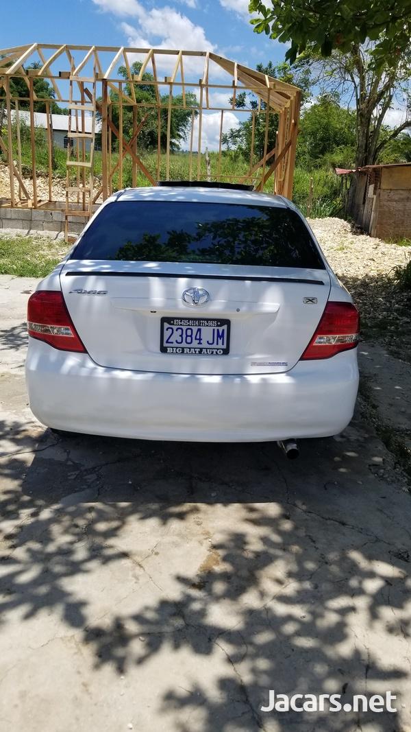 Toyota Axio 1,6L 2008-6
