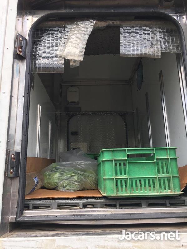 Isuzu Elf Freezer Truck-3
