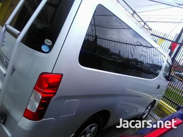 Nissan Caravan 2,0L 2013-8