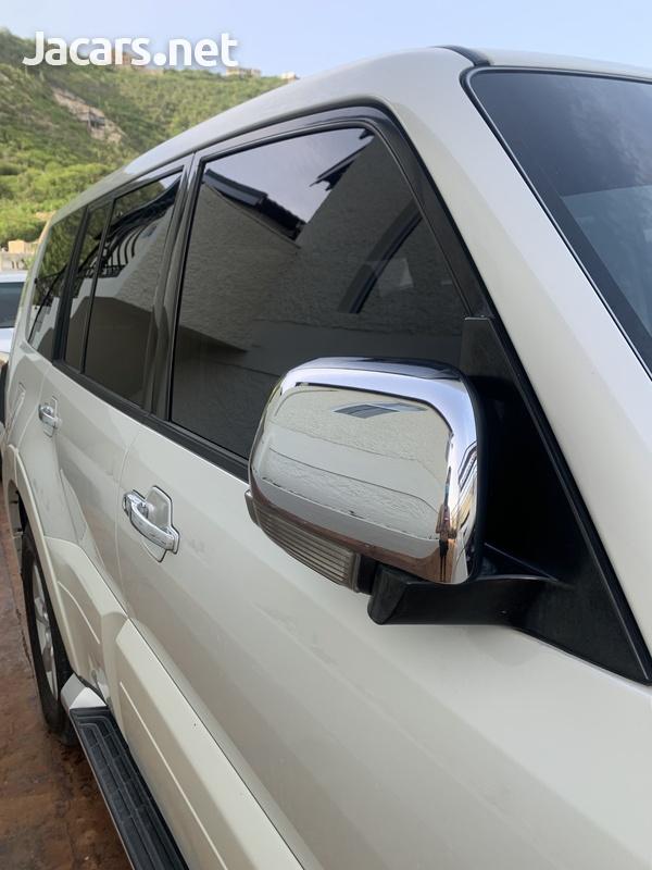 Mitsubishi Pajero 3,0L 2012-9
