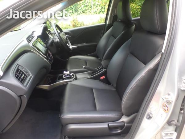 Honda Grace 1,5L 2016-3