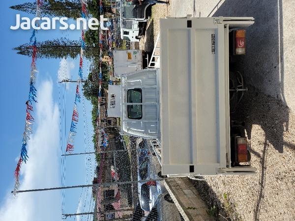 2011 Madza Bongo Truck-3