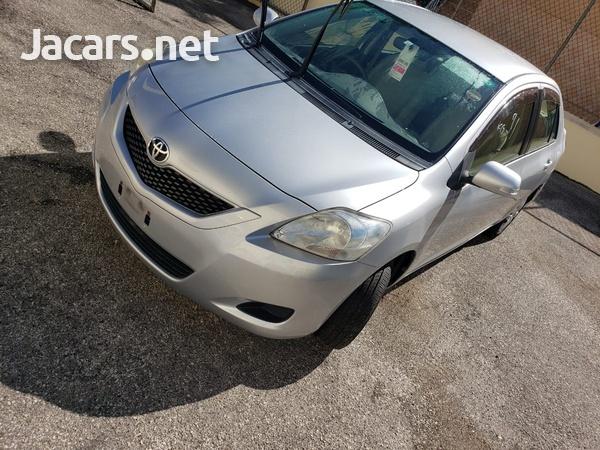 Toyota Belta 1,3L 2012-1