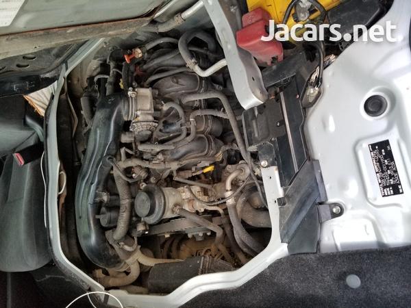 Toyota Hiace 2,7L 2013-3