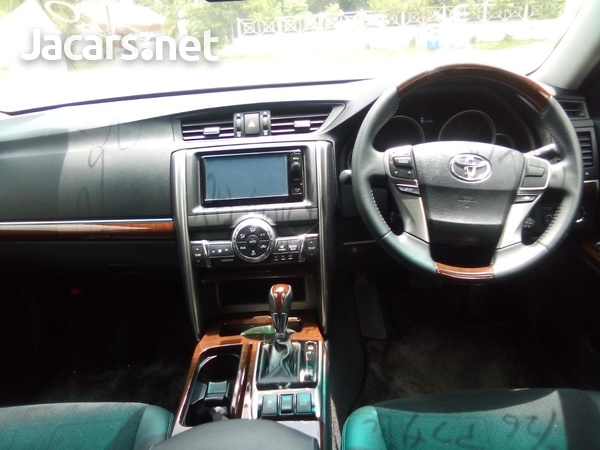 Toyota Mark X 3,5L 2015-4