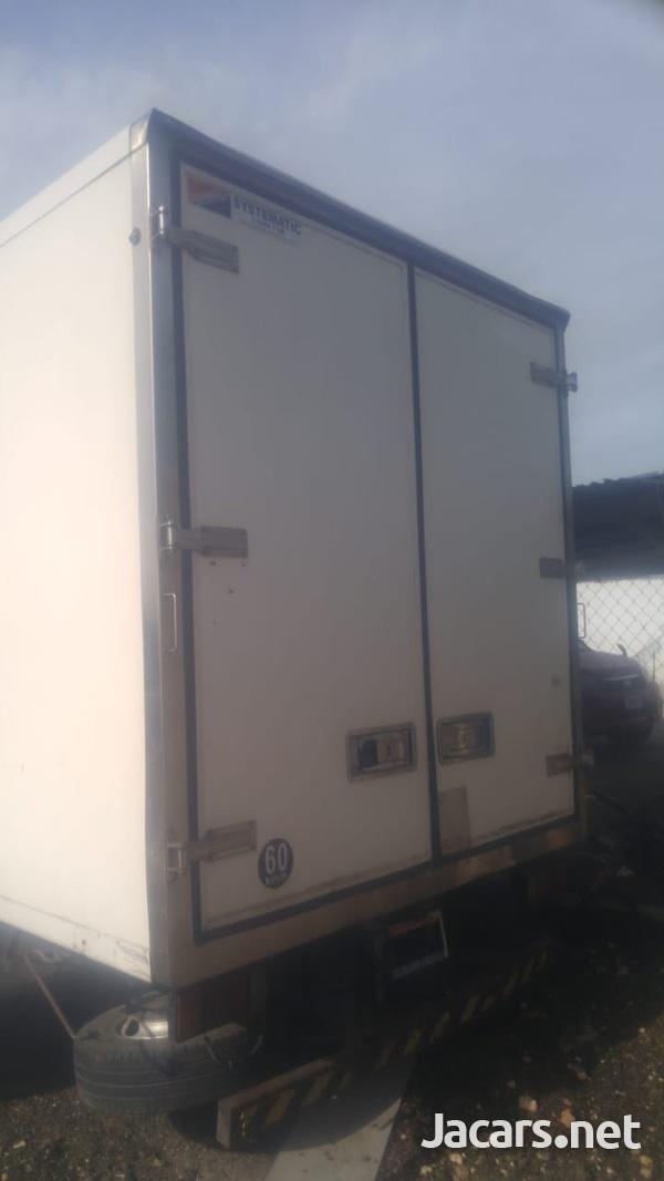 2009 Isuzu 5 Tonne Truck-4