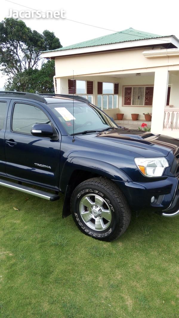 Toyota Tacoma 4,0L 2013-6