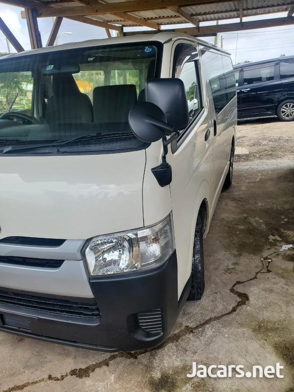 2014 Toyota Hiace Bus-5