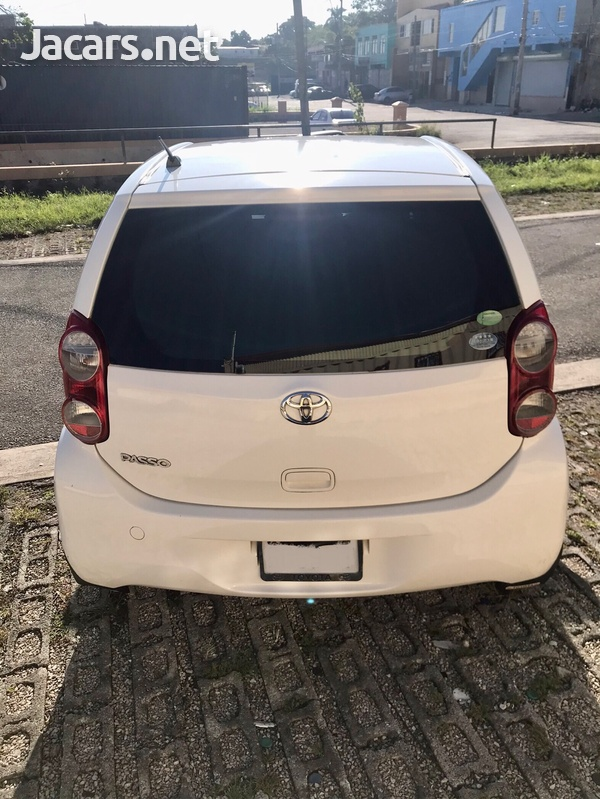 Toyota Passo 1,0L 2012-3