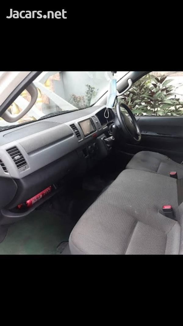 Toyota Hiace mini bus 2011-5