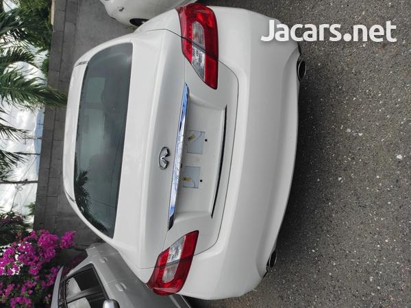 Nissan Fuga 2,5L 2013-6
