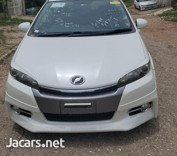 Toyota Wish 2,0L 2013-1