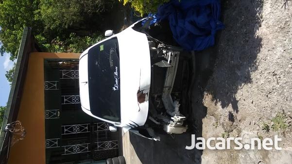 Nissan Latio 1,3L 2014-3
