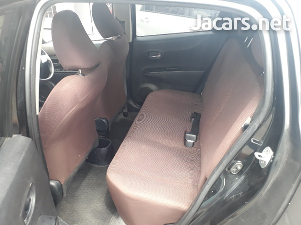Toyota Vitz 1,1L 2011-4
