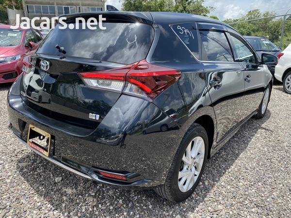 Toyota AURIS 1,8L 2016-6