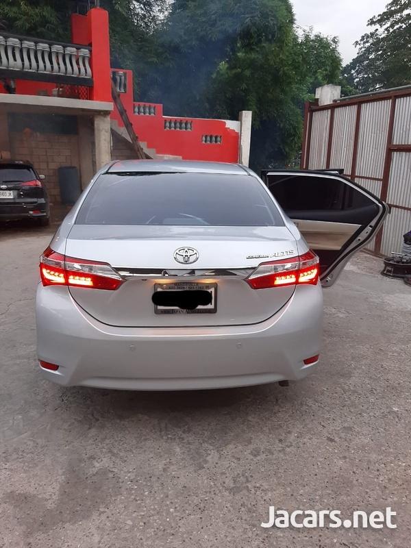 Toyota Corolla Altis 1,6L 2014-2