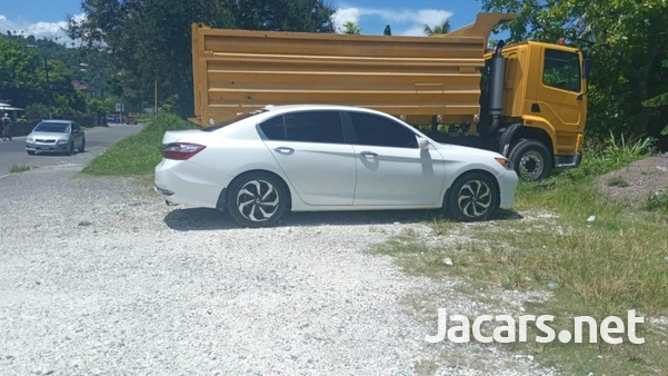 Honda Accord 2,4L 2016-3