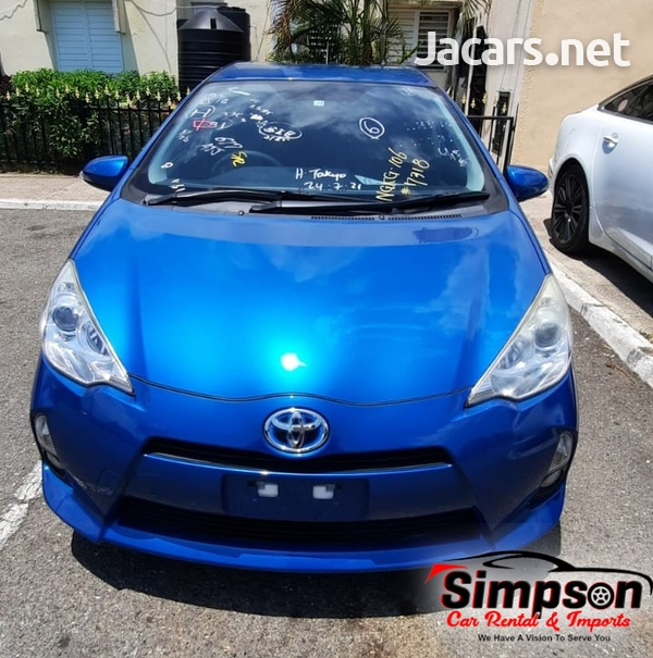 Toyota Aqua 1,5L 2013-3