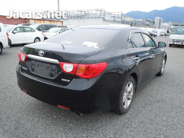 Toyota Mark X 2,5L 2012-9