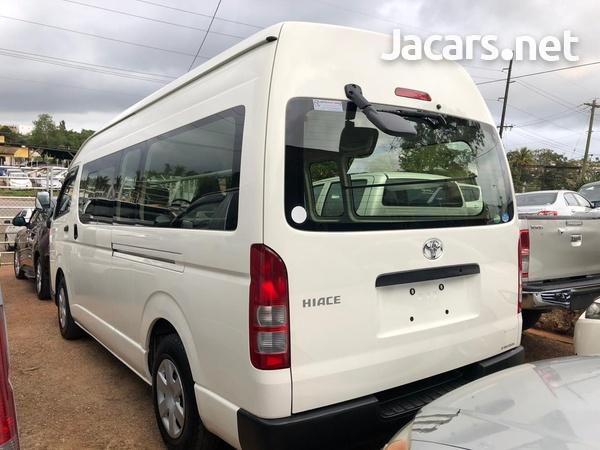 Toyota Hiace Bus 2015-3