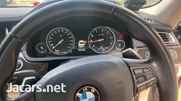 BMW 7-Series 3,0L 2015-6