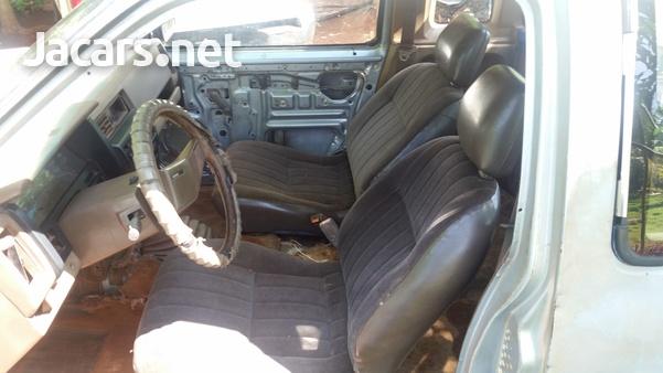 1988 Nissan Cab Plus 2,4L 1988-5