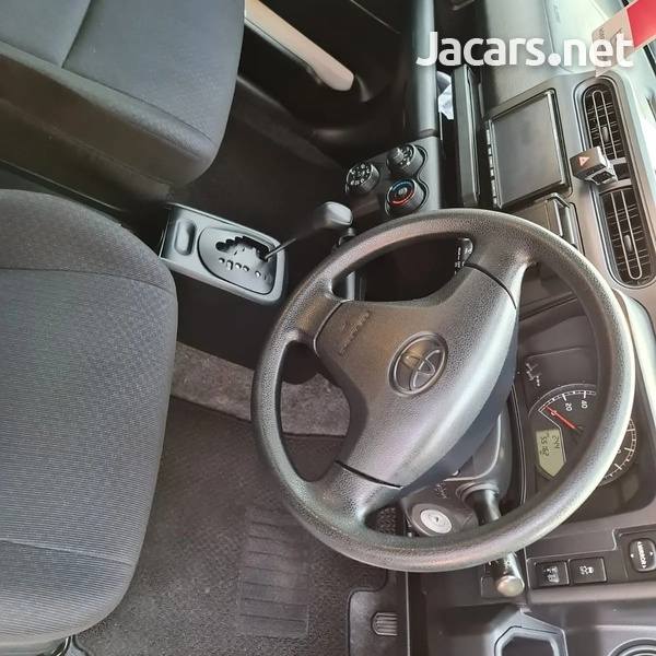 Toyota Probox 1,5L 2017-8