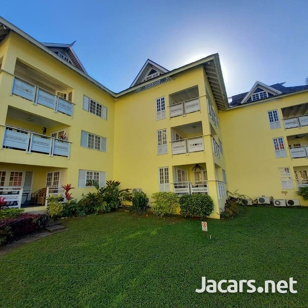 2 Bedroom 2 Bathroom Apartment in Ocho Rios with pool access and 24 hrs security-1