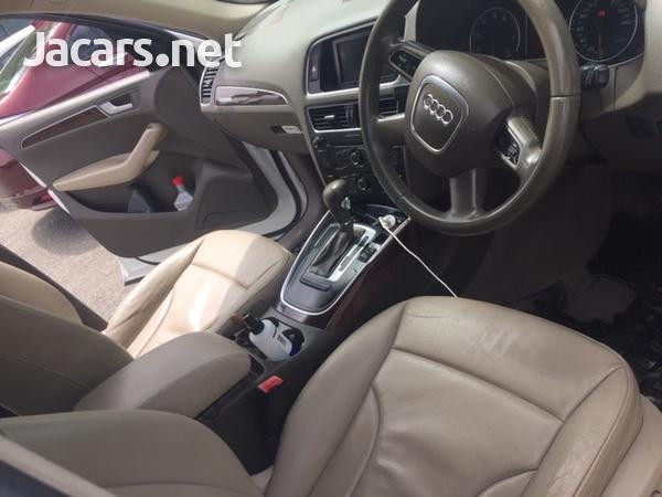 Audi Q5 2,0L 2012-6