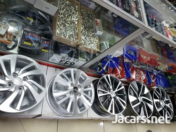 Rims, Diffuser, lugs, steering cover, back up camera, touchscreen radio, etc-12