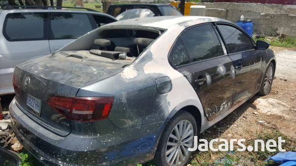 Volkswagen Jetta 2,0L 2017-3