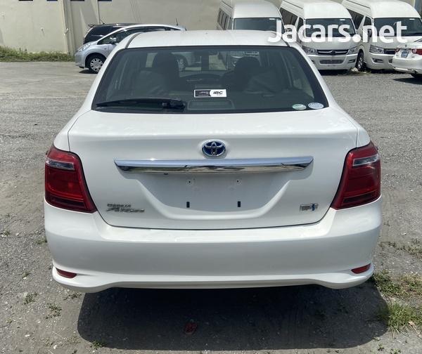 Toyota Axio 1,5L 2015-3