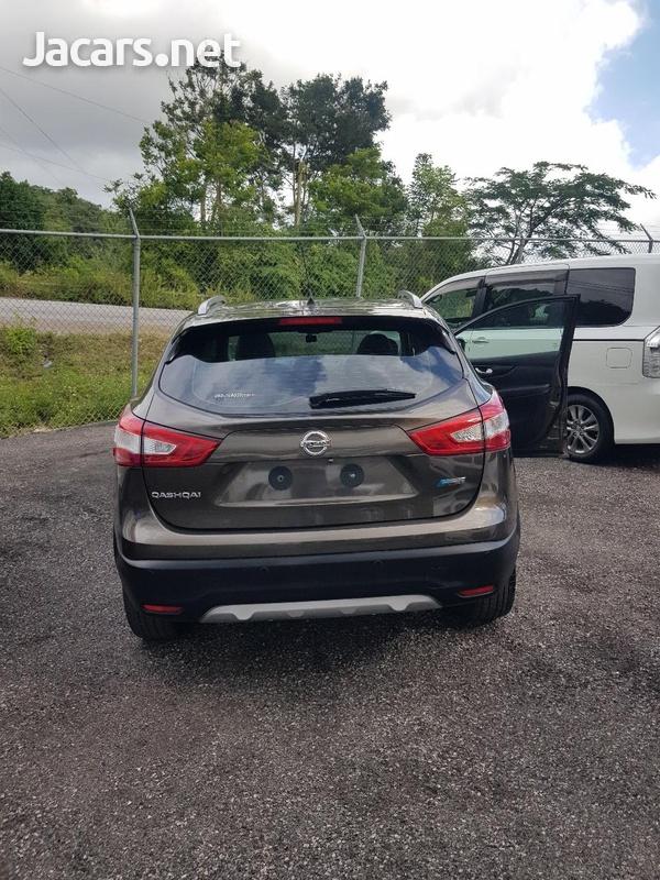 Nissan Qashqai 2,0L 2015-3