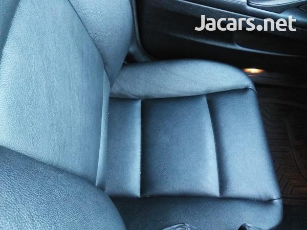 BMW 5-Series 2,9L 2012-9