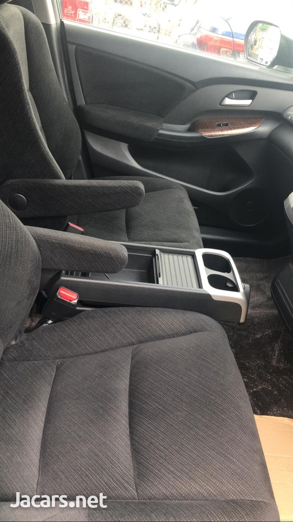 Honda Odyssey 2,0L 2011-9