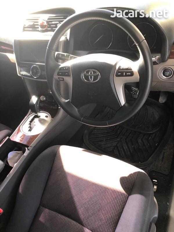 Toyota Premio 2,0L 2014-1