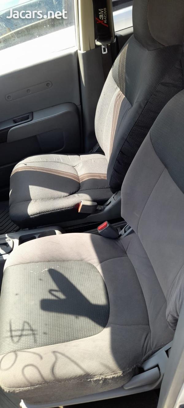 Mazda Familia 1,5L 2012-9