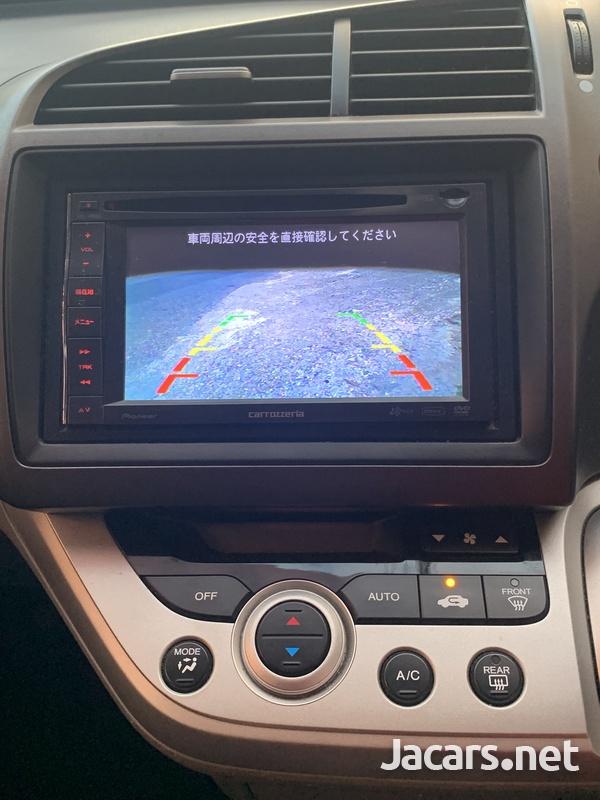 Honda Stream 1,8L 2011-9