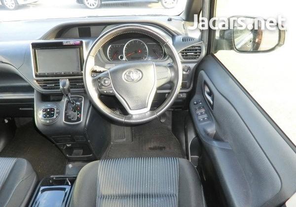 Toyota Voxy 1,9L 2014-3