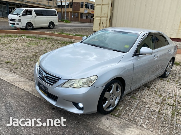 Toyota Mark X 2,5L 2010-3