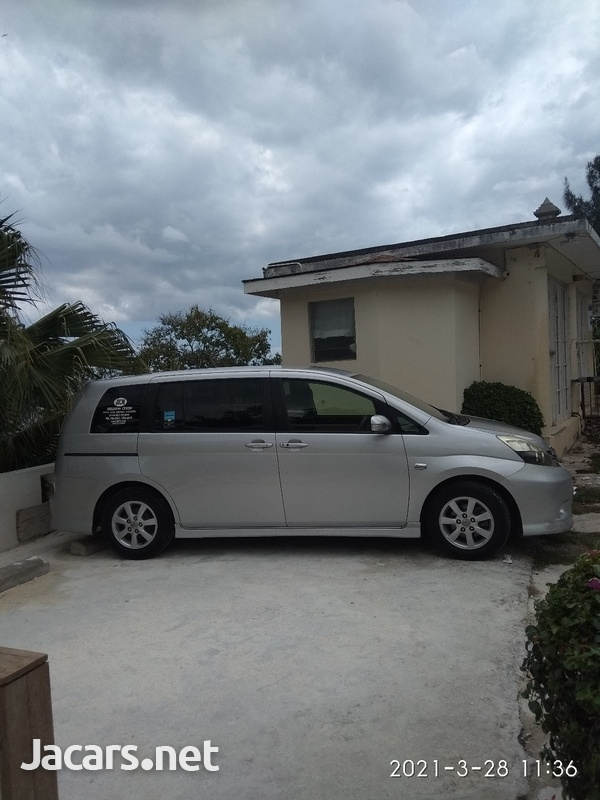 Toyota Isis 1,7L 2012-1