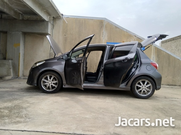Toyota Vitz 1,5L 2011-6