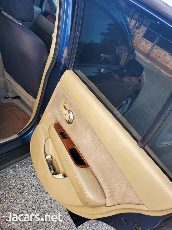 Nissan Tiida 1,4L 2010-3