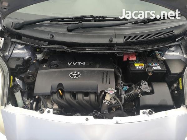 Toyota Vitz 1,5L 2010-10