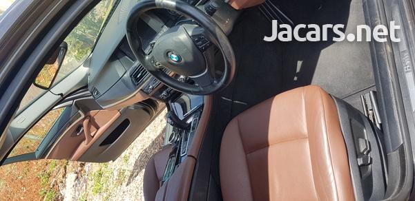 BMW 5-Series 3,0L 2013-11