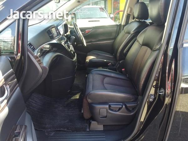 Nissan Elgrand 2,3L 2015-6
