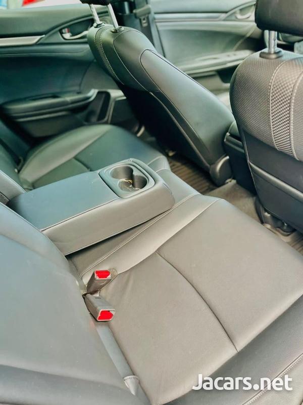 Honda Civic 1,5L 2020-10