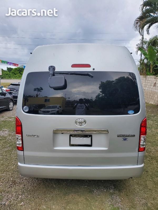Toyota Hiace 3,0L 2015-5