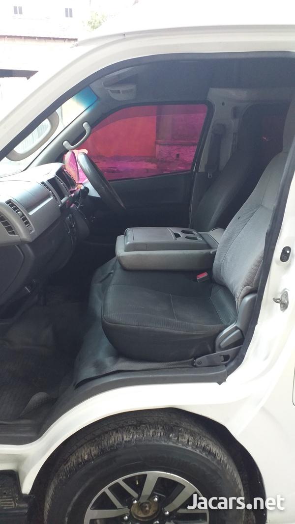 Toyota Hiace 3,0L 2010-6